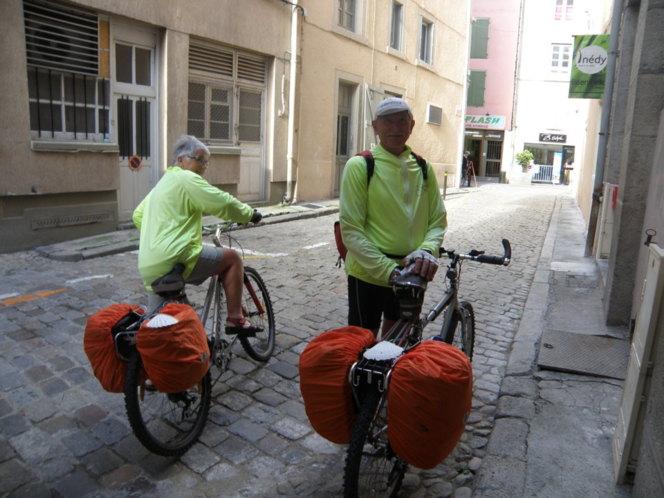 Pélerins à vélo...ils sont partis de la rue Oddo de Gissey !