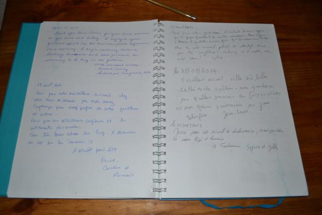 Un Livre d'Or Souvenir version manuscrite et version en ligne ! ( 2011-2014) et début 2015