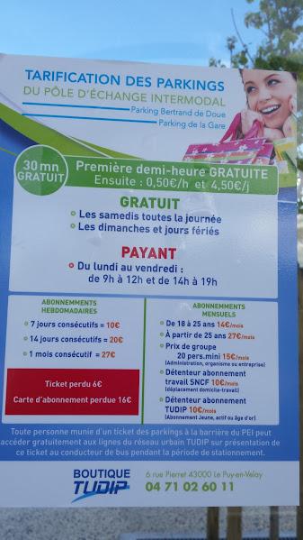 Comment se garer en centre ville du Puy-en-Velay ( près de mes chambres d'hôtes) à 2mn ou10mn à pied?