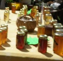 D'où vient le miel sur la table du petit déjeuner?