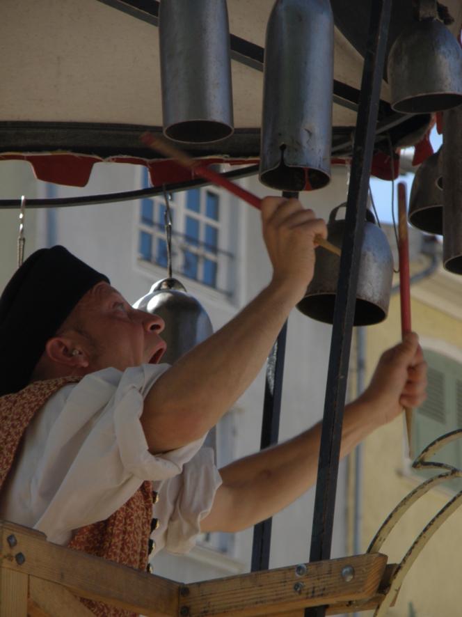 Des fêtes Renaissances unique en France, un festival de beauté pour les yeux et les oreilles! Mention spéciale aux Carillonneurs !