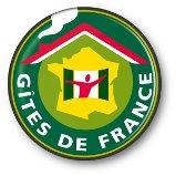 Réserver via Gîtes de France Haute-Loire, le savoir-accueillir local.
